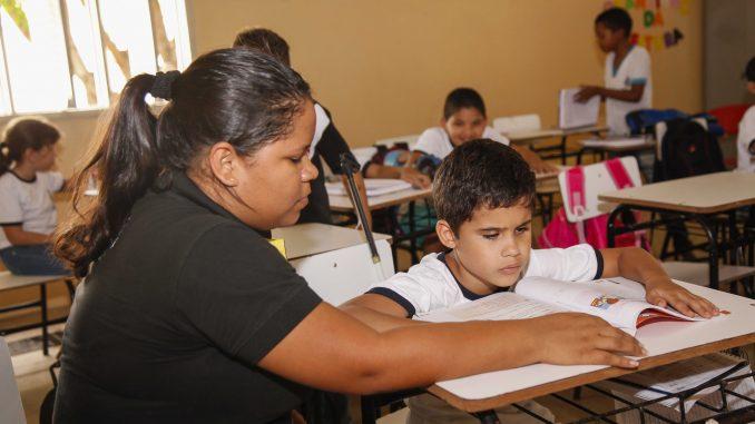 Professores de nível médio em Mossoró ganham acima do valor do Piso Nacional