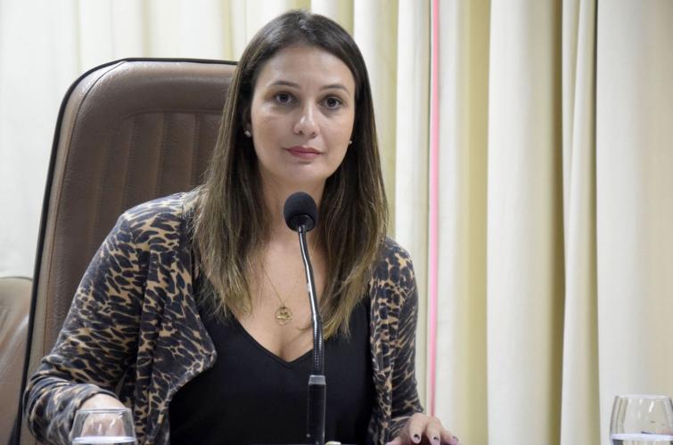 TRE autoriza deputada a mudar de partido