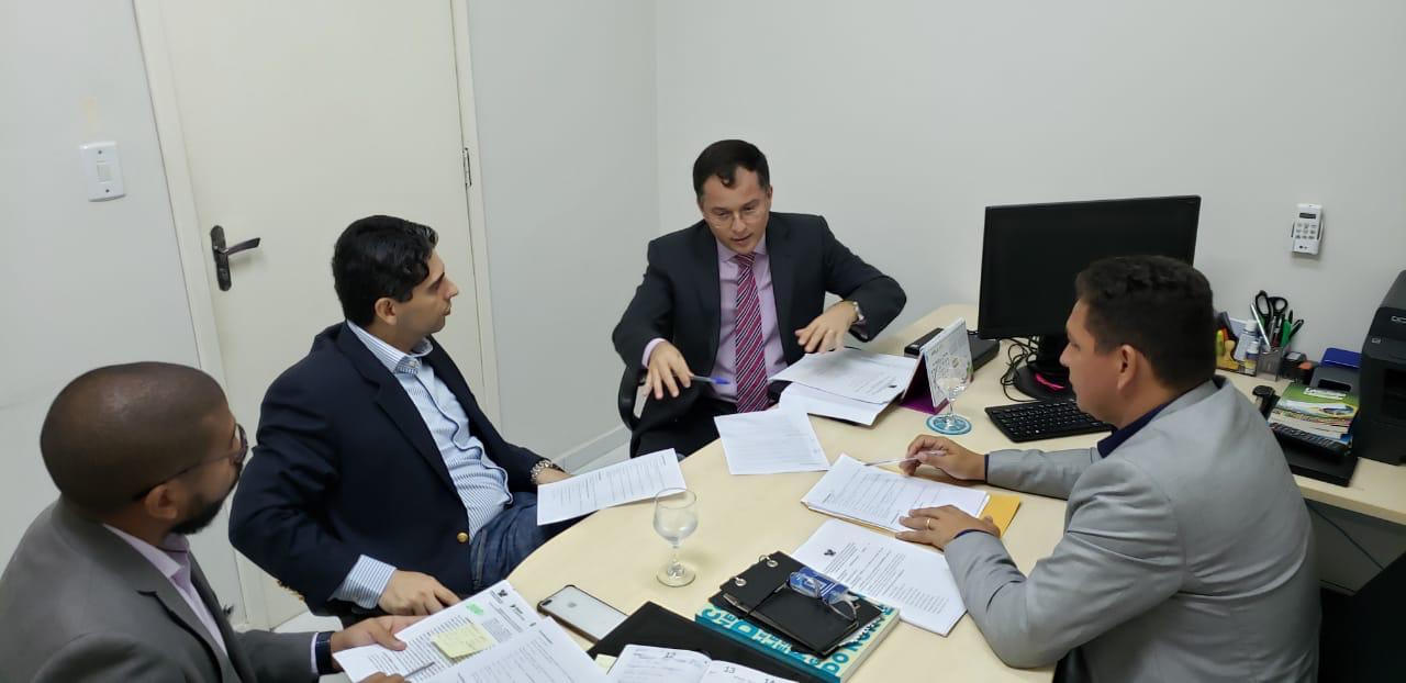 Diretor da JFRN e da Esmafe se reúnem com dirigentes da Escola Legislativa