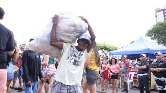 Catadores faturam até R$ 300 por noite durante MCJ 2019