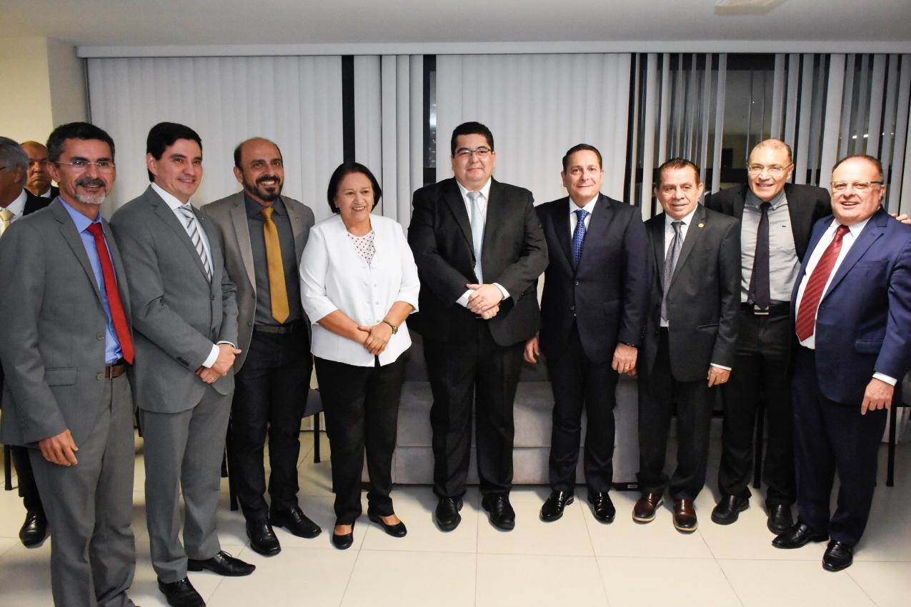 Presidente da Assembleia e deputados participam da posse de Eudo Leite