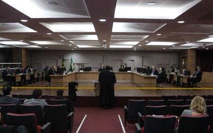 TRE-RN rejeita pedido de cassação da Senadora Zenaide Maia