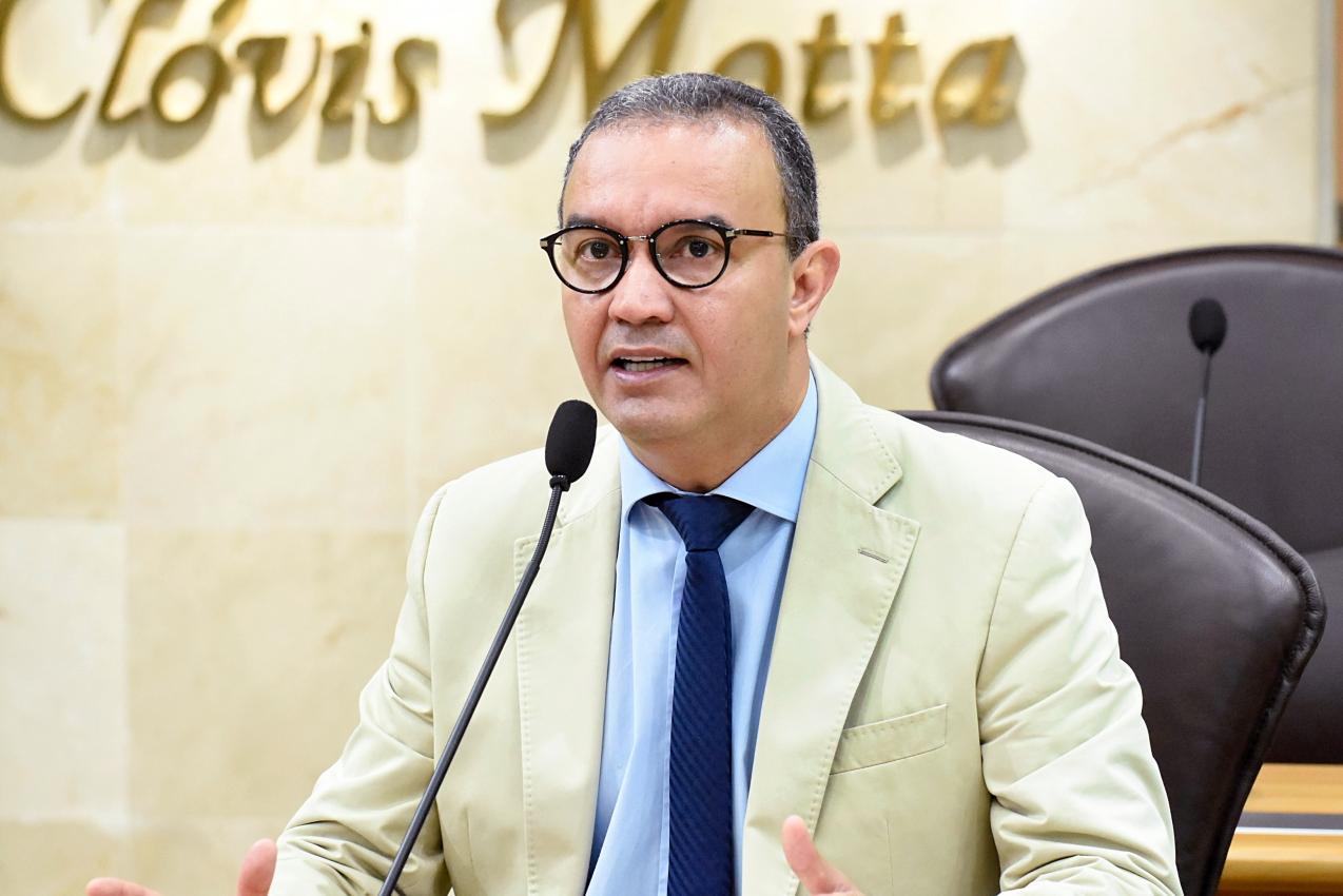 Deputado apela para TJ rever prazos de processos durante instabilidade do PJE