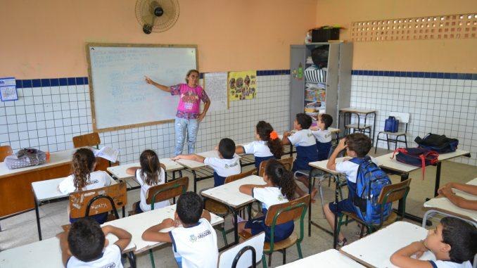 06-05-2019-Arombamento-na-Escola-Evilasio-Leão-Luciano-lellys-16-678x381