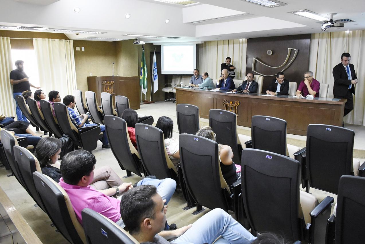 Legislativo discute soluções para situação dos servidores cedidos no RN