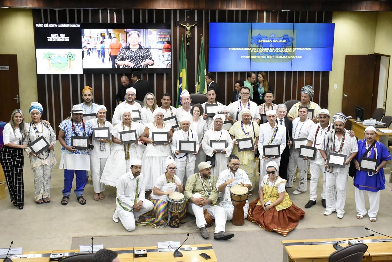 ALRN homenageia religiões de matrizes africanas e cobra respeito à diversidade