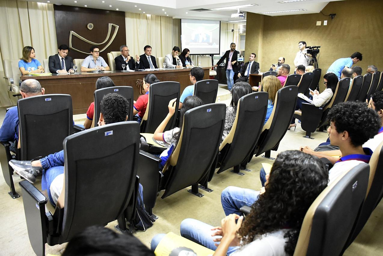 Audiência pública debate legislação que altera programa Jovem Aprendiz