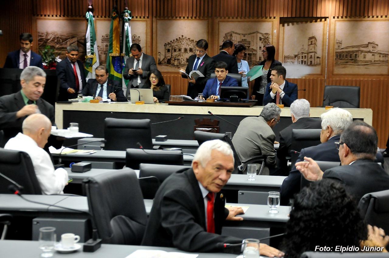 Vereadores discutem projeto que garante transparência na arrecadação de impostos