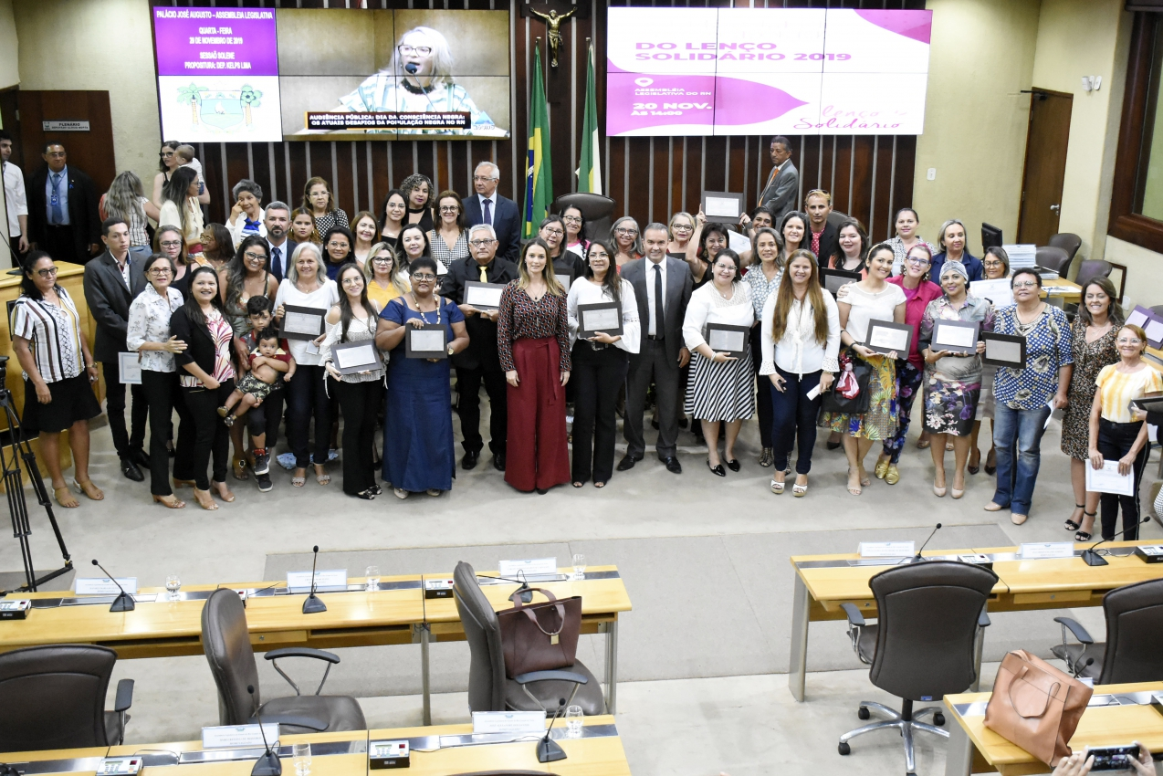 Legislativo Potiguar homenageia doadores e parceiros da campanha Lenço Solidário