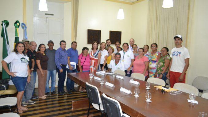 Reunião-com-produtores-da-APROFAM-1-678x381