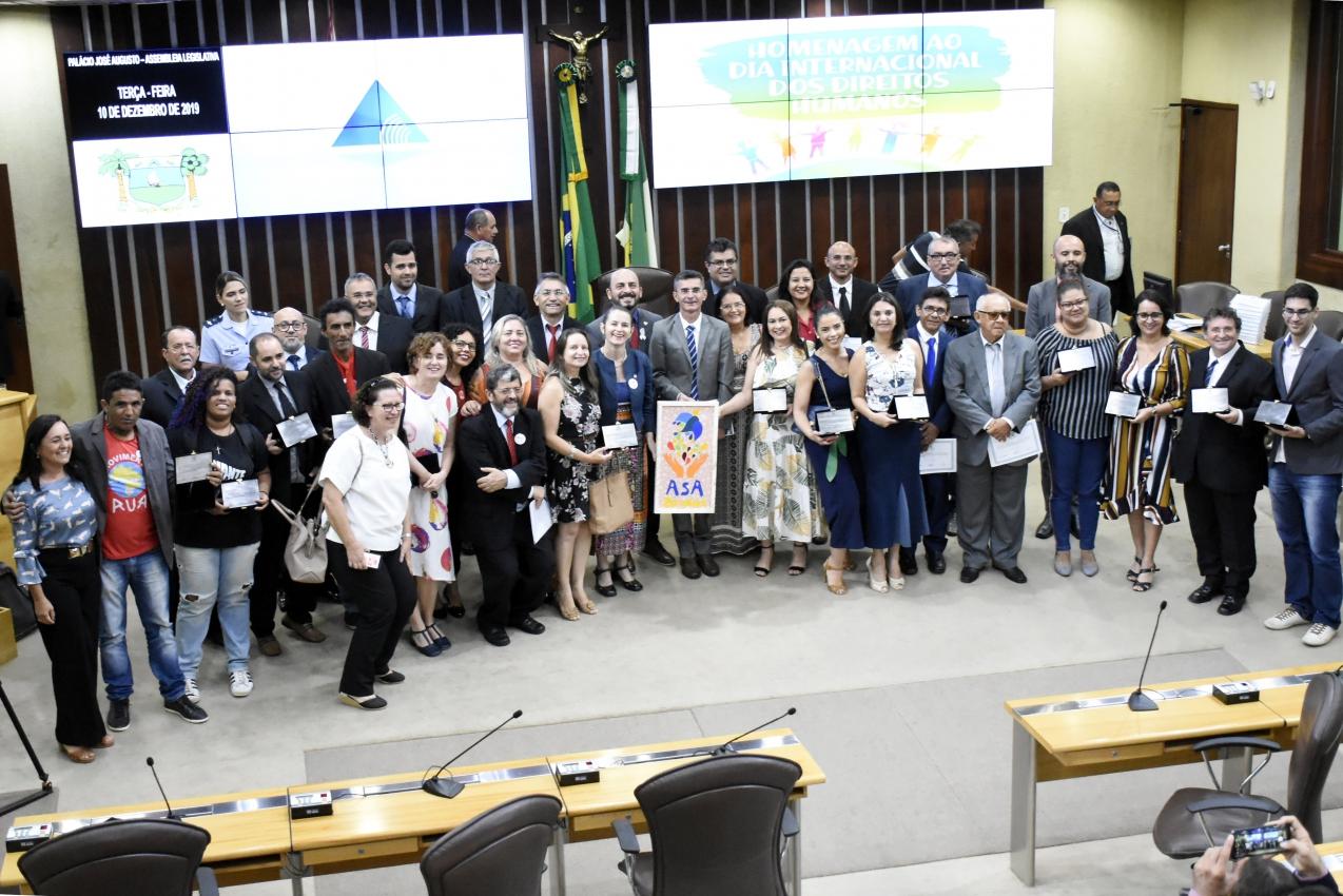 Assembleia comemora Dia Internacional dos Direitos Humanos