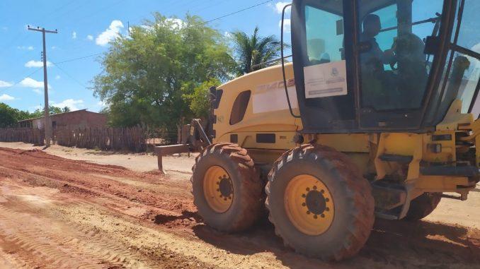Prefeitura de Mossoró realiza recuperação de estradas vicinais