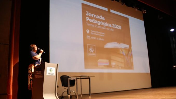 Rede Municipal de Ensino de Mossoró debate Currículo Escolar na abertura da Jornada Pedagógica