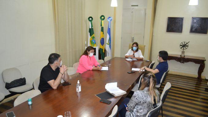 Prefeita de Mossoró recebe representante de empresários interessados em apoiar ações contra o COVID-19